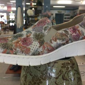 RIEKER  adorable Floral Leisure shoe Slip on (NEW)